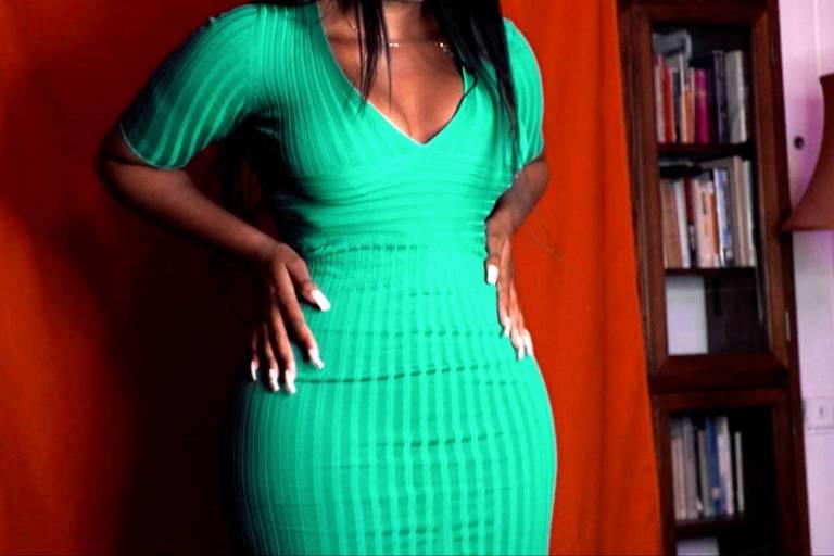 """Padrão de beleza, conhecido como """"slim thick"""", tem como característica cinturas finas, coxas grossas e bumbum grande"""