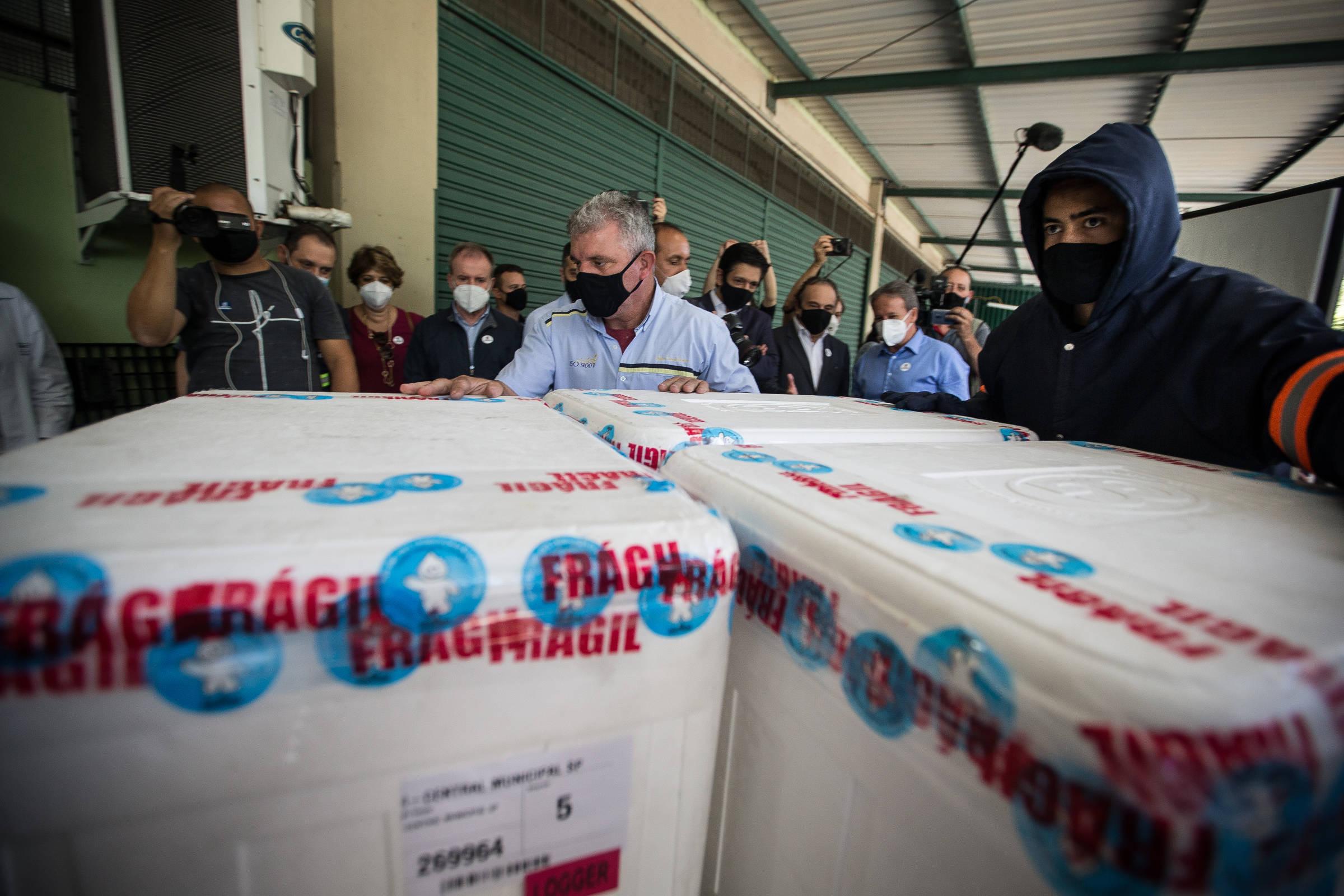 Brasil não vai conseguir acelerar entrega de vacinas de Covid até junho