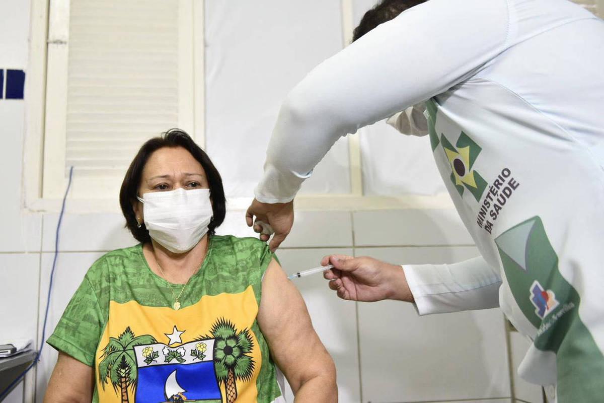 Falta de Coronavac deixa até governadora do RN sem 2ª dose