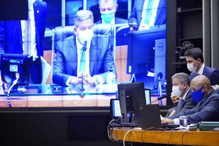 Comissão mista já admite reforma tributária fatiada após intervenção de Lira