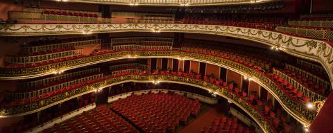 Sao Paulo, SP, BRASIL, 09-11-2017:  Especial Avaliacao dos maiores teatros de Sao Paulo. Cadeiras para o publico do  Theatro Municipal (Foto: Eduardo Knapp/Folhapress, Revista Sao Paulo).