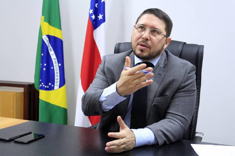 Vice do Amazonas diz que política de imunidade de rebanho apoiada por Bolsonaro levou Manaus ao colapso