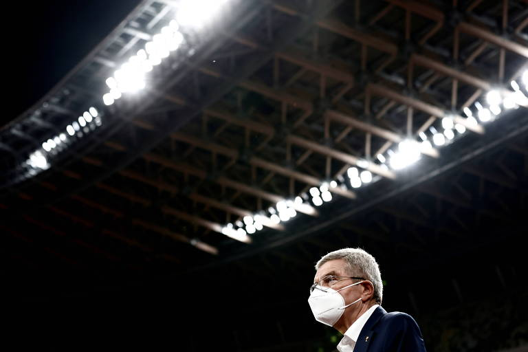 Thomas Bach, presidente do COI, em visita ao Estádio Olímpico de Tóquio