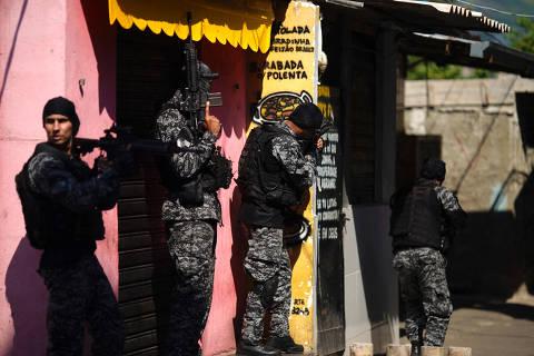 Após ação com 25 mortos, polícia do RJ diz que cumpriu regras do STF e critica ativismo