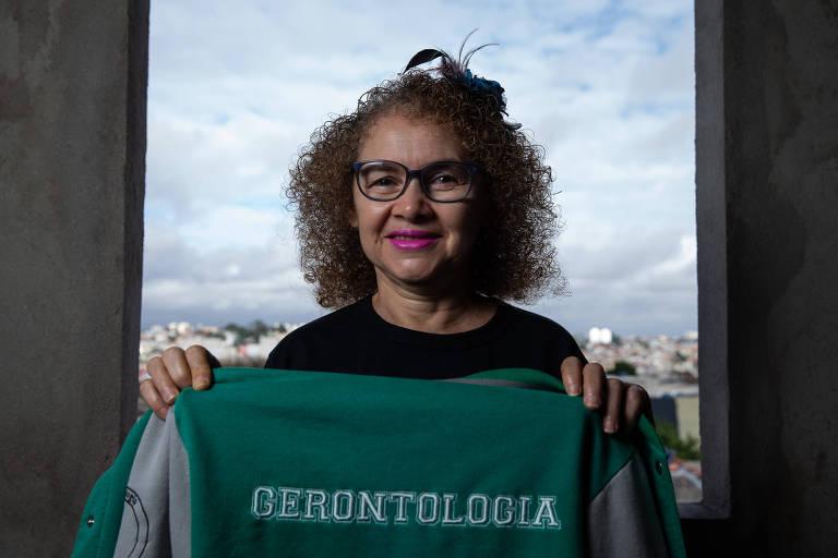 Mães retomam projetos e sonhos após os filhos crescerem - Cleonilde de Oliveira da Silva