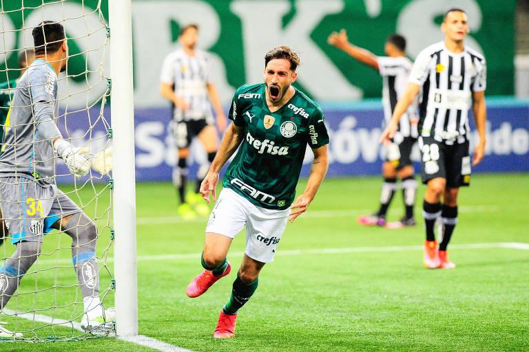 Viña comemora gol do Palmeiras contra o Santos no Allianz Parque pelo Paulista