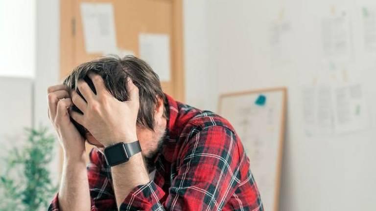 A pandemia levou muitos de nós ao limite, estamos exaustos e sobrecarregados, o que não quer dizer que seja burnout