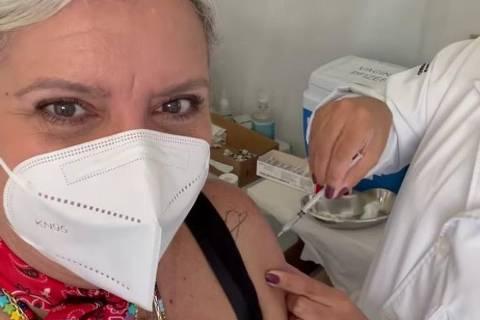 A apresentadora Astrid Fontenelle em vídeo postado em sua rede social