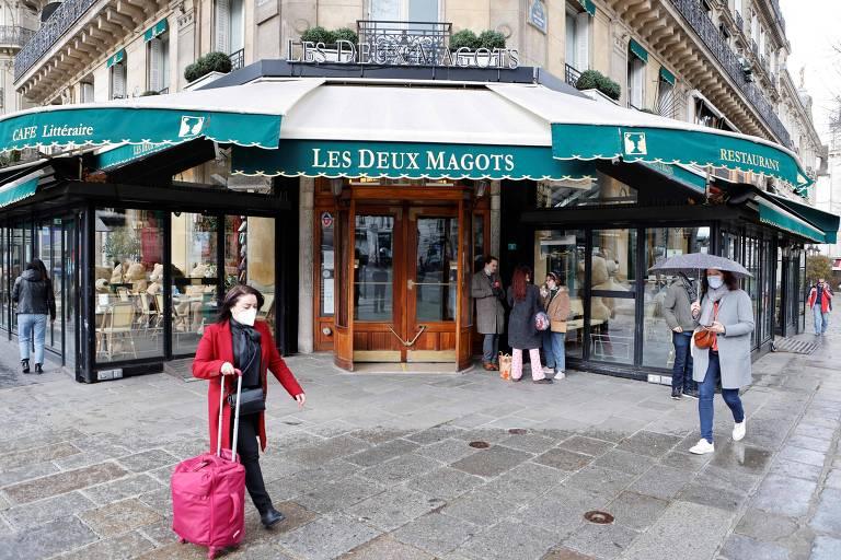 Restaurantes na França enfrentam dificuldades para conseguir funcionários na reabertura