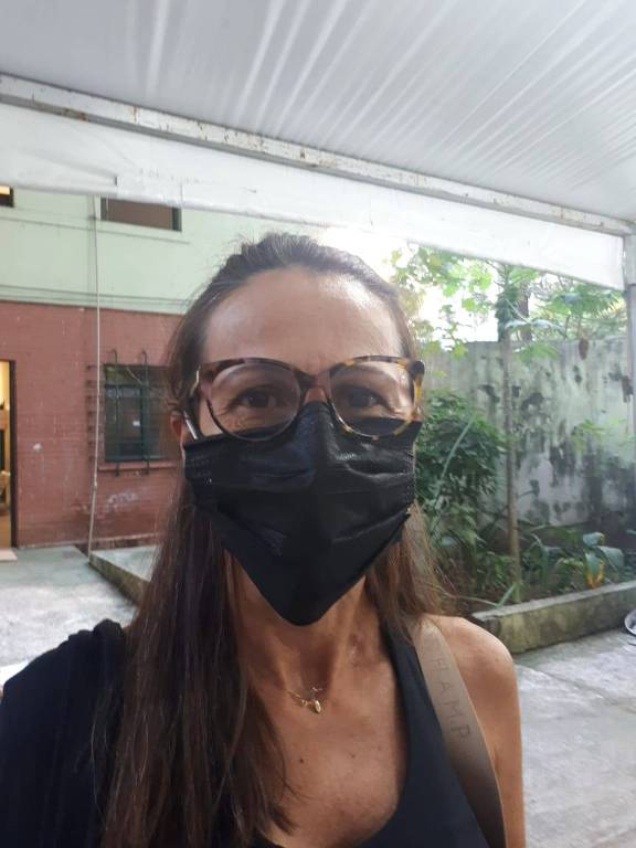 Cláudia Rodrigues, professora, moradora do Itaim Bibi, que esteve na UBS Max Perlman, na Vila Nova Conceição, para se vacinar contra a Covid-19