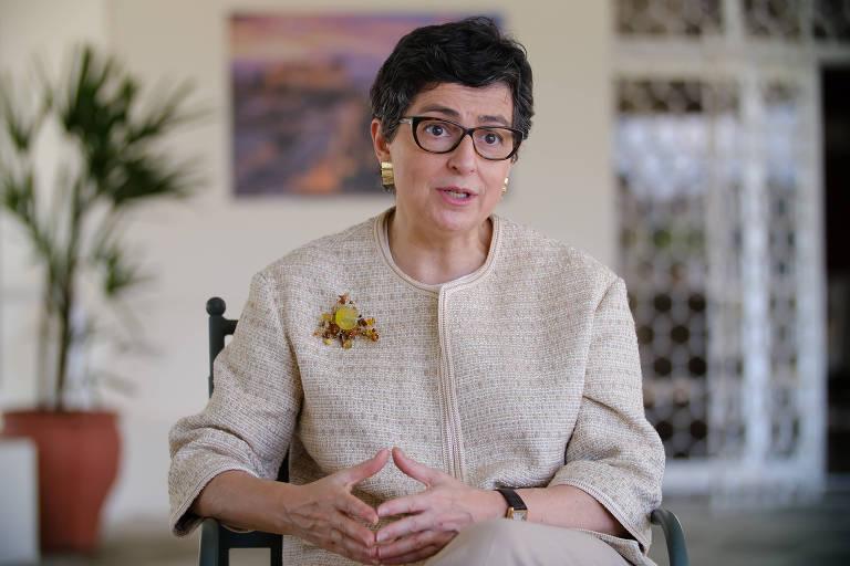 Solução para vacinas não pode ser apenas quebra de patentes, diz ministra espanhola