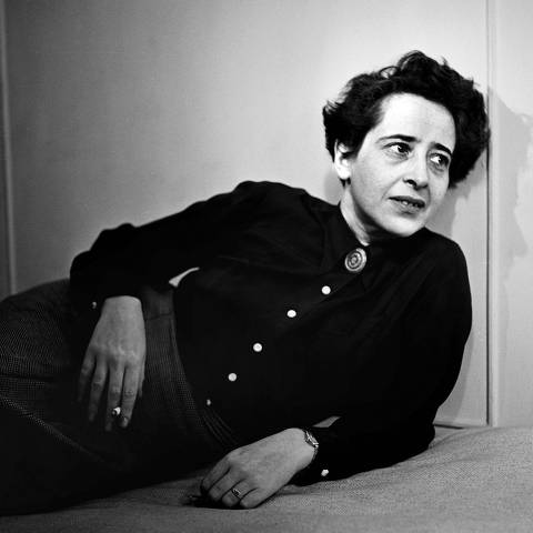 HANNAH ARENDT    Hannah Arendt in 1944. Portrait by photographer Fred Stein (1909-1967) who emigrated 1933 from Nazi Germany to France and finally to the USA. 1944. Credit: Album / picture alliance / Fred Stein ***DIREITOS RESERVADOS. NÃO PUBLICAR SEM AUTORIZAÇÃO DO DETENTOR DOS DIREITOS AUTORAIS E DE IMAGEM***