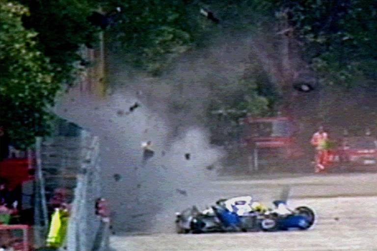 Acidente de Ayrton Senna no autódromo de Ímola, na Itália, durante o GP de San Marino de 1994