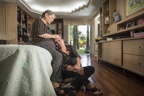 Pandemia de Covid-19 coloca filhos adultos e mães sob o mesmo teto