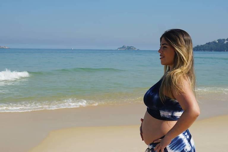 Raquel Pacheco, conhecida como Bruna Surfistinha, anuncia gravidez do primeiro filho
