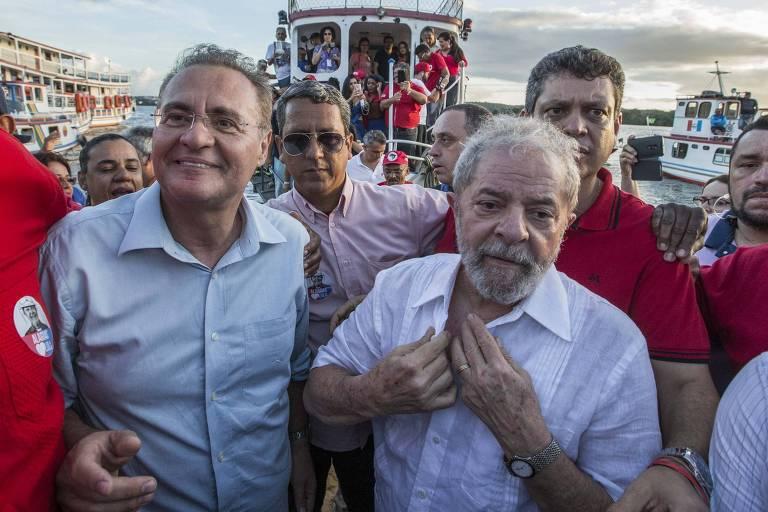 Em 2017, o ex-presidente Lula é recebido pelo senador Renan Calheiros em Penedo (AL)
