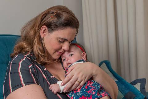 SÃO PAULO, SP, BRASIL, 05-05-2021 - ESPECIAL / COVID GRAVIDEZ - elatos de mulheres que tiveram Covid-19 durante a gravidez. Thais Escudeiro teve filha, Isabela, no começo do ano e esteve intubada durante o parto. Ou seja, nem viu a menina nascer. Só foi conhecê-la duas semanas depois. (Foto: Ronny Santos/Folhapress, ESPECIAL)  ***EXCLUSIVO AGORA ***