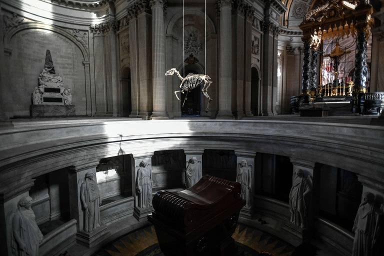 """Parte da polêmica exposição """"Napoleão? Outra vez!"""" que acontece no Museu dos Inválidos, em Paris, pelo bicentenário de Napoleão"""