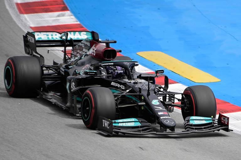 Hamilton, da Mercedes, durante o GP da Espanha