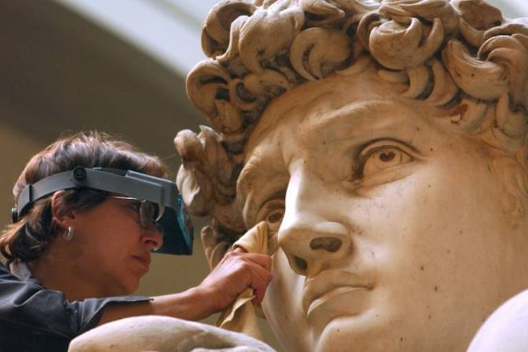 A famosa escultura de David, de Miguelângelo, de 1504, foi inspirada na arte antiga