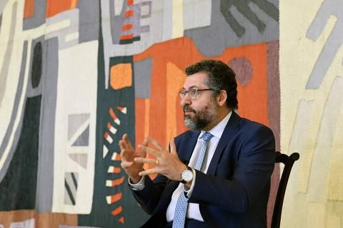 Nas redes, Ernesto mina trabalho de novo chanceler e tenta manter influência ideológica no Itamaraty