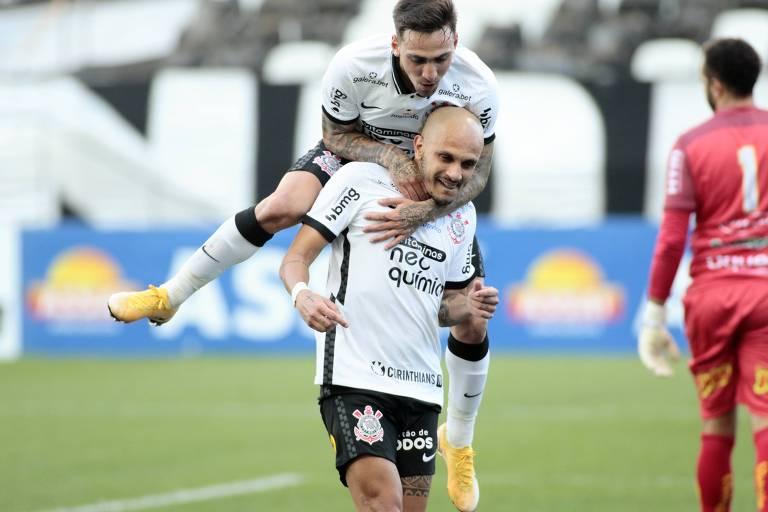 Caneladas do Vitão: Corinthians honra sua história e classifica Palmeiras