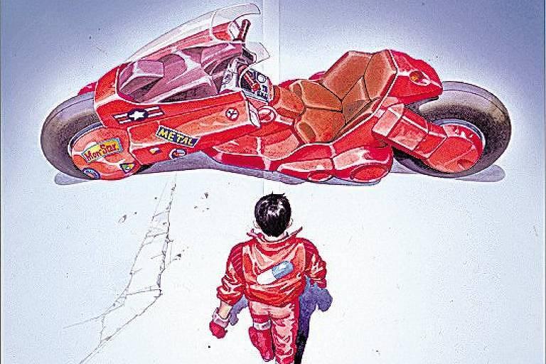 Homem com traje vermelho se aproxima de motocicleta