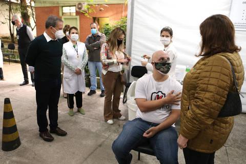 Coronavac em São Paulo é apenas para segunda dose, diz secretário