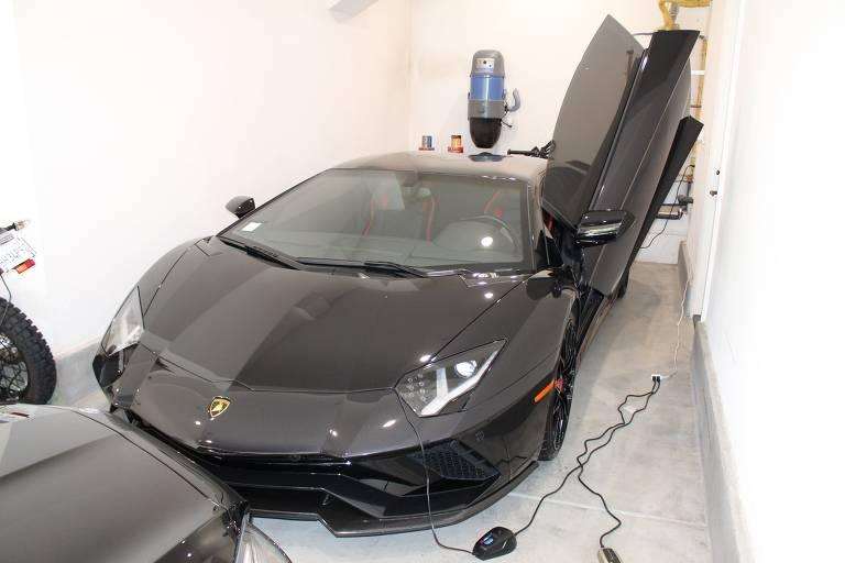 Mustafa Qadiri é acusado de usar verba da pandemia para comprar carros de luxos