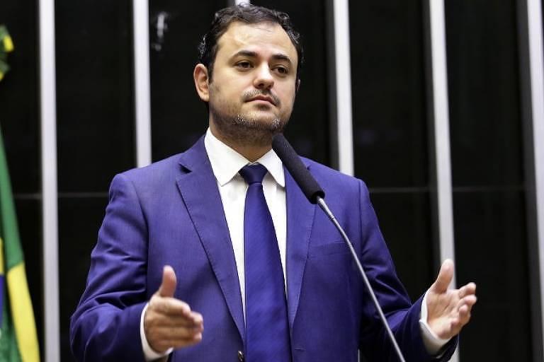 Não cabe na nossa mesa a turma da direita liberal, diz Glauber Braga, que quer nome próprio do PSOL à Presidência