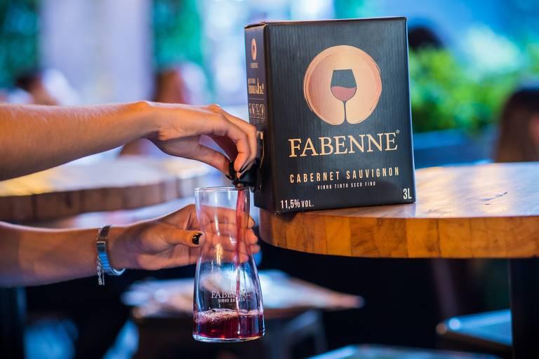 De latas a caixinhas, marcas apresentam novo jeito de tomar vinho