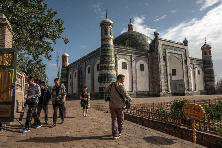 Para reduzir natalidade em Xinjiang, China ataca muçulmanas