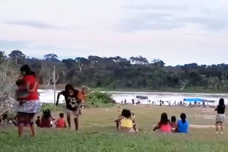 Vídeo mostra momento do ataque de garimpeiros a yanomamis em RR