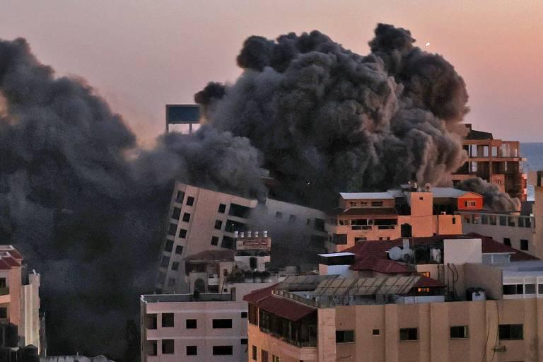Míssil lançado por Israel atinge prédio na cidade de Gaza