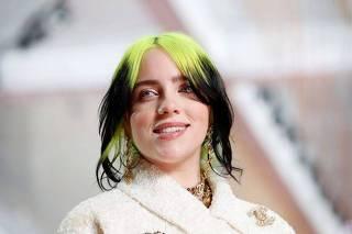 Billie Eilish chega para premia��o do Oscar em Los Angeles