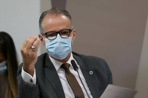 Depoimento de presidente da Anvisa na CPI constrange Planalto, e Queiroga sai em defesa de Bolsonaro