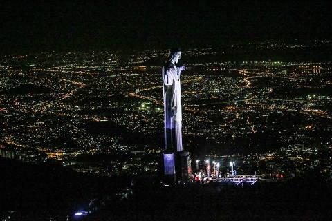 RIO DE JANEIRO,RJ - 11/05/2021 - Imagens Aéreas da Missa de Sétimo dia de Paulo Gustavo no Cristo Redentor no Rio de Janeiro. (Foto:  DILSON SILVA E FRANCISCO SILVA)