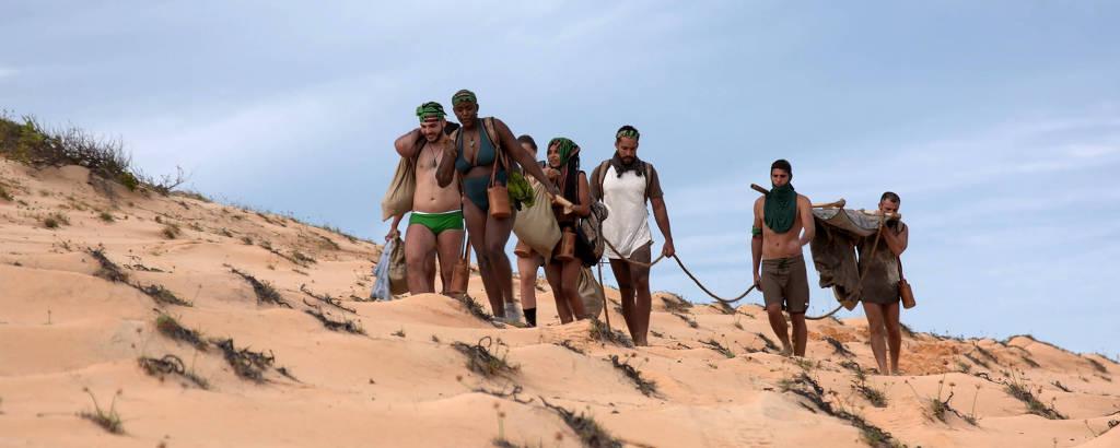 A equipe Calango retorna para o acampamento