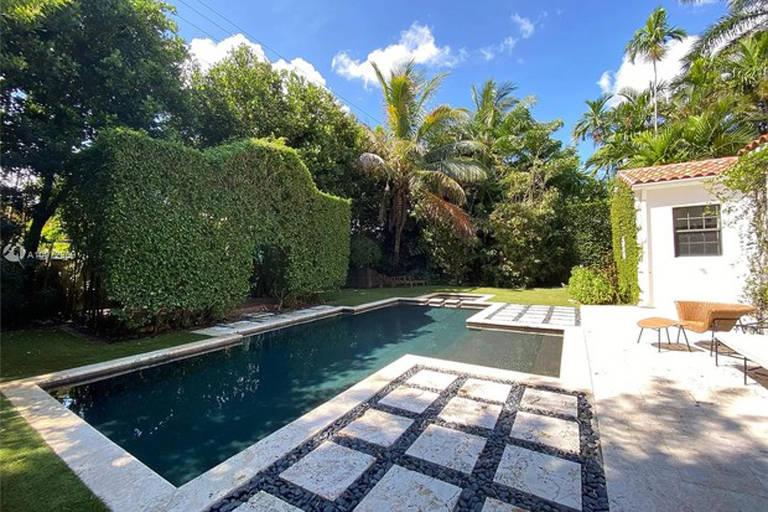 Mansão de Anitta em Miami