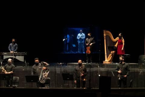 Concerto Espelho no Espelho, no Theatro São Pedro, em Sao Paulo, durante a pandemia