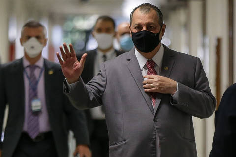 Ficou provado que não houve interesse do governo na vacina, diz presidente da CPI à Folha