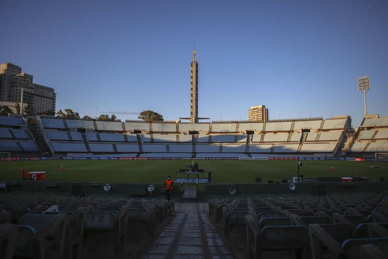 Estádio Centenário, em Montevidéu, antes da partida entre Rentistas e São Paulo na última quarta (12)