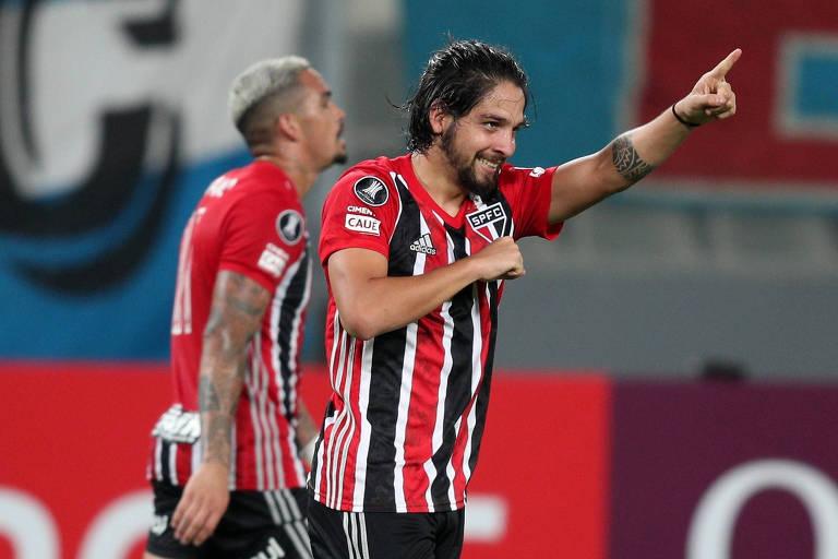 Benítez comemora gol do São Paulo na vitória sobre o Sporting Cristal, pela Libertadores