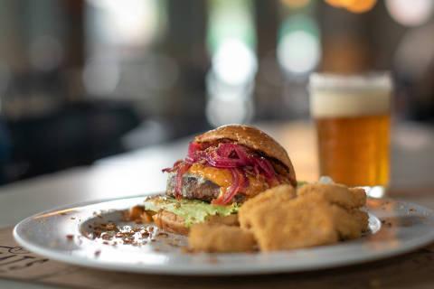 O lanche Spicy Dutch, da hamburgueria Meats, é uma opção vegetariana com carne vegetal da The Vegetarian Butcher