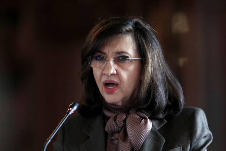 A ex-chanceler da Colômbia Claudia Blum discursa durante evento em Bogotá