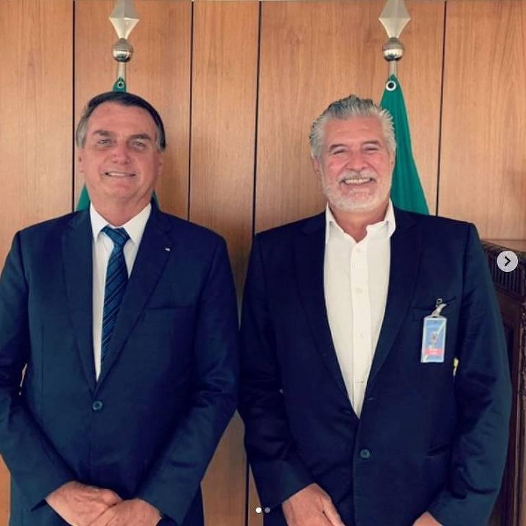 O presidente Jair Bolsonaro e o ex-presidente do Tribunal de Justiça de São Paulo Ivan Sartori durante almoço no Palácio do Planalto.