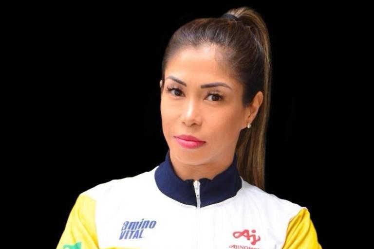 Valéria Kumizaki, carateca brasileira que tenta vaga para a Olimpíada de Tóquio