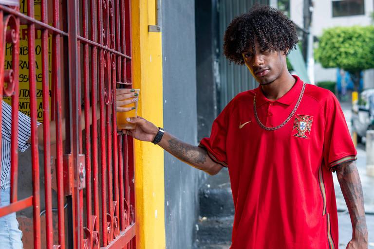 Guilherme Mendes de Oliveira diz que gosta das bebidas porque são baratas