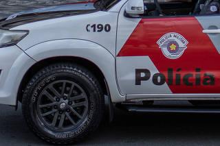 PM faz patrulha na avenida Rio Branco, nas proximidades da cracolândia