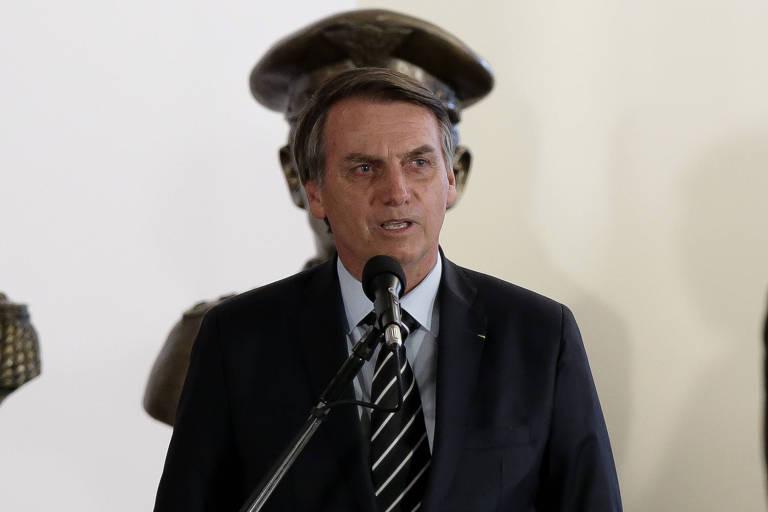 Militares tentarão sair do mandato de Bolsonaro preservando a instituição, diz pesquisador